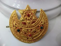 gold chandrama clip