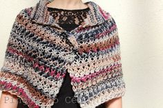 Knitted Poncho. Blue Cream and Hot Pink.  Handmade by pingosdoceu