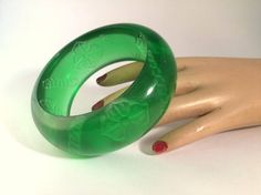Chunky Reverse Carved Lucite Bangle ? Transparent Lime/Popsicle Green ? Carved Interior Floral Motif - Dogwood