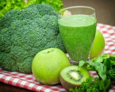 Top 3 Juices for Full Body Detox and Extra Energy - Healthy Food House Healthy Juices, Healthy Drinks, Healthy Snacks, Healthy Recipes, Healthy Breakfasts, Detox Recipes, Easy Recipes, Detox Kur, Green Smoothie Recipes