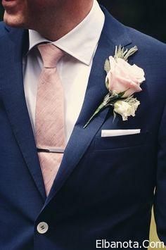 هكذا يرتدي العريس في مناسباته الخاصة