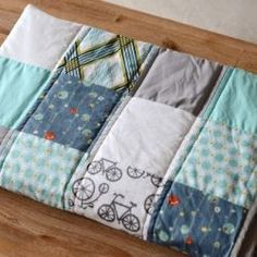 Nice and clear step-by-step baby quilt process...