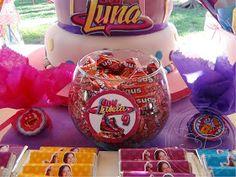 Lucía nos pidió un Candy Bar de Soy Luna, su ídola, para festejar su cumpleaños n°9.  Y esto fue lo que armamos para ella...                ...