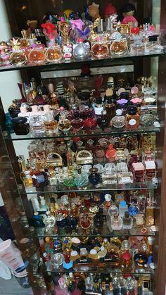 Perfume And Cologne, Best Perfume, Perfume Bottles, Parfum Chic, Versace Vanitas, Perfume Organization, Acrylic Display, Perfume Collection, Vanity Ideas