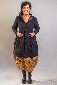 Ewa i Walla Jacket Cord Antracit 66323 AW19 | Ankleiderei | Online-Shop für skandinavische & französische Mode Smock Dress, Smocking, Mantel, Sewing Patterns, Bohemian, Plus Size, Super, Blouse, Alabama