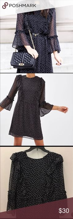 Topshop Polka Dot Dress Beautiful polka dot dress; size 4; in excellent condition Topshop Dresses Midi