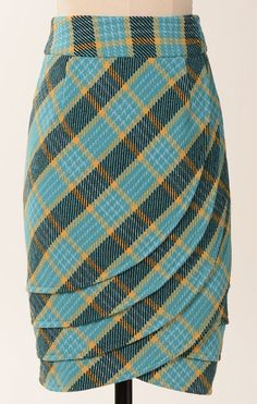 The tartan of Clan MacFabulous. Or MacTacky, depending on if this style and pattern could actually work for you. Plaid Skirts, Mode Style, African Dress, Dressmaking, African Fashion, Tartan, Fashion Dresses, Clothes For Women, Sewing