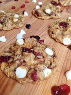 Cranberry White Chocolate Oatmeal Cookies | www.chocolatewithgrace.com | #oatmeal #cookies #recipe