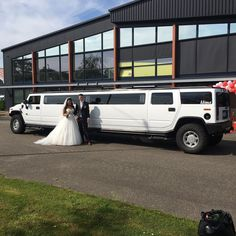 #bruidspaar #hummer #limousine #dokkum | Limousine huren Friesland