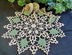 thread crochet queen crown pattern | Green leaf doily - free crochet pattern