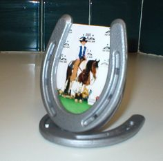 horseshoe crafts - Google Search @Janel Erikson Erikson Erikson Lewis...They're fun and creative and hold cute pics.