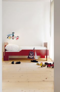 spross bed, assembled without tools via Paul & Paula: German kids room designs