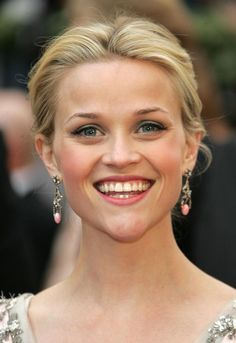 Reese Witherspoon at the 2006 Oscars