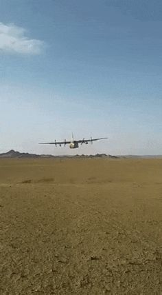 Military and Aviation Military Weapons, Military Aircraft, C130 Hercules, Angel Flight, Just Say Hello, Best Funny Videos, War Photography, Fighter Aircraft, Aviation Art