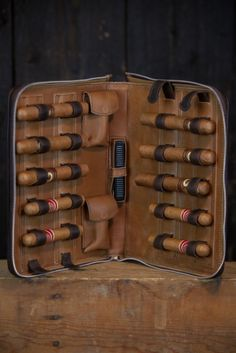 Riverton Leather Cigar Case - Front/Open View