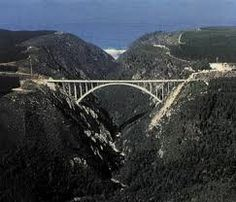 For those needing an adrenaline boost the nearby Bloukraans Bridge is home to the world's highest bungee jump at 212m! Optional Activities: Bungy jumping (highest in the world), treetop cano