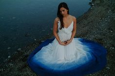 dip dyed wedding gown - I want this dress just to wear.