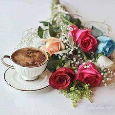 """Afiyet Olsun ☕ """"Bir kişiye kahve ısmarlamak onun gönlünden bir sandalye çekmektir"""" Ve tüm iyi şeylerin başlangıcıdır Gönülden ikram edilen bir fincan kahve.. Gönül Dostlarıma Afiyet olsun ☕"""