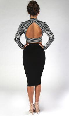 Black & White Stripe Crop Top #turtleneck #openback #longsleeves