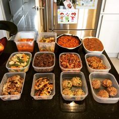 Dinners in advance! 6 tips for preparing your meals like a boss / The Body Coach… Healthy Dinner Recipes, Diet Recipes, Healthy Snacks, Healthy Eating, Cooking Recipes, Simple Snacks, Healthy Carbs, Recipies, Joe Wicks Lean In 15