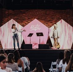 Feminine Stage Design in Pink for a Women's Day or Conference Church Interior Design, Church Graphic Design, Stage Set Design, Church Stage Design, Bühnen Design, Event Design, Christian Conferences, Church Building, Photo Booth Backdrop