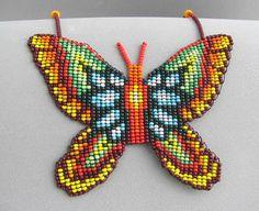 Seed Beaded Butterfly Necklace Spirit Animal por HANWImedicineArt