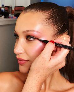 Gigi Hadid always gives us some major makeup goals! Makeup Inspo, Beauty Makeup, Makeup Tips, Beauty Tips, Beauty Products, Eye Makeup, Isabella Hadid, Pop Magazine, Bella Hadid Style