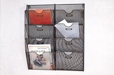 Wire-mesh wall mount magazine rack - Vintage style, ideal for magazines and mail