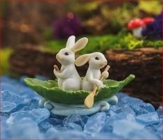 Two Bunnies Rowing Leaf Boat - Miniature Fairy Garden Supply IMPORTANT: Landscaping, faux water, and rocks, not included. 2 H x 3 W Can be used for indoor or outdoor displays. Miniature Photography, Cute Photography, Polymer Clay Animals, Polymer Clay Crafts, Cute Disney Wallpaper, Cute Cartoon Wallpapers, Cute Images For Dp, Fairy Garden Supplies, Clay Fairies