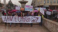 """""""Nuk dua lule, dua të drejta"""", marsh protestues për 8 Marsin në Shkup - http://alboz.co/nuk-dua-lule-dua-te-drejta-marsh-protestues-per-8-marsin-ne-shkup/"""