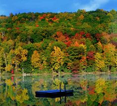 A kaleidoscope of color in the Berkshire Hills. Image by Ogden Gigli / courtesy of Discover New England
