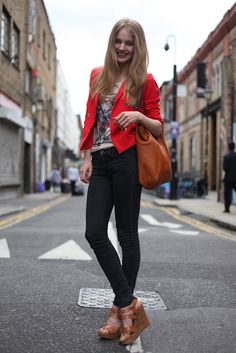 Ideal outfit. I wish I had a job that called for more skinny jeans and less pencil skirts.