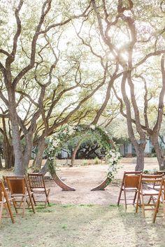 Garden Party Wedding Inspiration at Hyatt Regency Hill Country Resort in San Antonio Texas by Allison Jeffers Wedding Photography 0003
