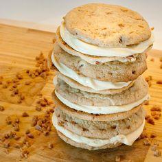 Amish Oatmeal Whoopie Pie Cookies | Recipe | Amish, Whoopie Pies and ...