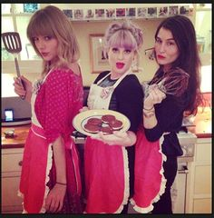 Taylor Swift with Kelly Osbourne, Taylor Swift Celebrity social media pictures from Instagram and Twitter.
