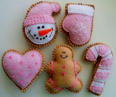Some idea for Xmas Cookies -- Pretty in Pink Felt Holiday Ornaments - Pink Cookie Ornaments - Christmas Felt Ornaments Christmas Sewing, Pink Christmas, Christmas Projects, Holiday Crafts, Victorian Christmas, Holiday Tree, Vintage Christmas, Felt Diy, Felt Crafts