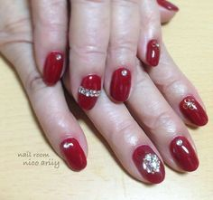 Instagramのネイル画像を自動でピンする。 Rhinestone Nails, Red Nails, Rhinestones, Beauty, Instagram, Red Toenails, Red Nail, Beauty Illustration, Gems