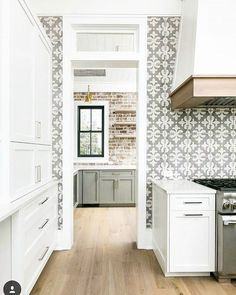 55 Fantastic Farmhouse Kitchen Backsplash Design Ideas And Decor. If you are looking for 55 Fantastic Farmhouse Kitchen Backsplash Design Ideas And Decor, You come to the right place. Farmhouse Kitchen Cabinets, Modern Farmhouse Kitchens, Kitchen Cabinet Design, Home Kitchens, Tuscan Kitchens, Oak Cabinets, White Cabinets, Farmhouse Style, Apartment Therapy