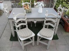 DERBYSHIRE COUNTRY CHIC - Dining Tables