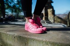 cheap for discount 39490 ae5cb I m no Barbie Girl  Pink Power mit dem adidas Supercolor