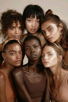 Portrait Photography Inspiration : Beauty in our diversity.just lovely! ~ Writing with Color - Photography Magazine Concealer, Pretty People, Beautiful People, Beautiful Women, Beautiful Body, Beautiful Pictures, Belle Photo, Pretty Face, Character Inspiration