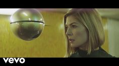 """""""Voodoo in my Blood"""" Massive Attack feat. Young Fathers with a freaky video featuring English actress Rosamund Pike Rosamund Pike, Music Film, Music Songs, Voodoo, Victor Hugo, Good Music, My Music, Ritual Spirit, The Chemical Brothers"""
