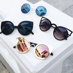 Óculos com vários estilos diferentes