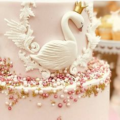 Close up picture of the Swan princess cake we did on the weekend, so pretty Baby Girl 1st Birthday, Ballerina Birthday, Princess Birthday, Girly Birthday Cakes, Birthday Ideas, Distintivos Baby Shower, Baby Shower Princess, Die Schwanenprinzessin, Lake Cake