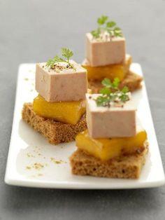 Bouchées de foie gras à la mangue pour l'apéritif de réveillon.