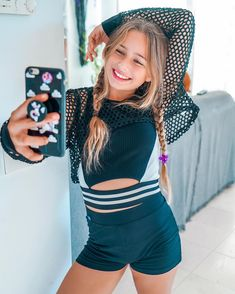 Tween Fashion, Fashion Outfits, Girls Size 10 Clothes, Little Girl Models, Cute Young Girl, Cute Poses, Up Girl, Youtubers, Kids Outfits