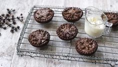 Chocolate mince pies: one for the chocolate fans.