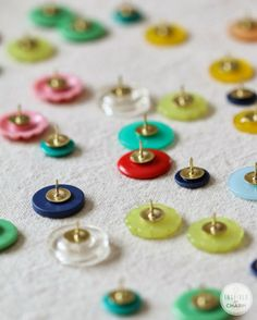 Insanely simple, but totally adorable - DIY Button Thumb tacks
