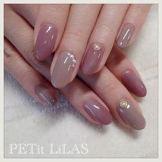 Semi-permanent varnish, false nails, patches: which manicure to choose? - My Nails Gem Nails, Nude Nails, Acrylic Nails, Fingernail Designs, Nail Art Designs, Pretty Gel Nails, Gel Nagel Design, Beautiful Nail Designs, Perfect Nails