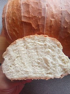 Ma sütöttem finom házi kenyeret! Olyan finom, mintha a nagymama kemencéjében sült volna! - Ketkes.com Bread Recipes, Cooking Recipes, Bread And Pastries, Garlic Bread, Bread Baking, Pain, Bakery, Food Porn, Rolls